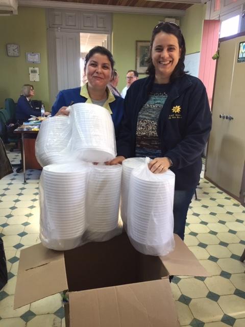 Imagen de la entrega de donaciones