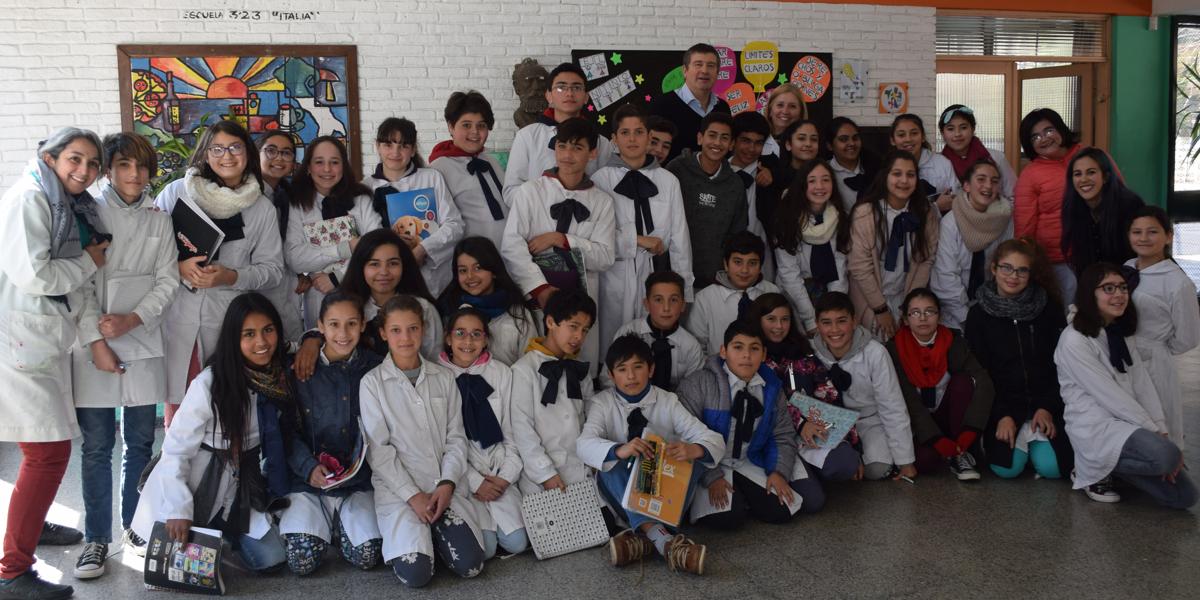 Continuamos visitando escuelas en todo el país
